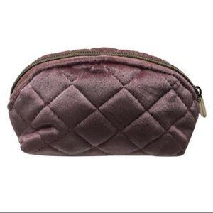 🎉 NWT Pink Velvet Makeup Bag Sz Small 🎉